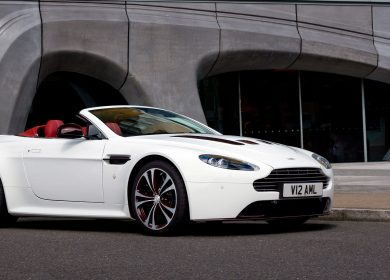 Aston Martin V12 Vantage Roadster Wallpapers