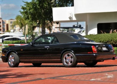 2002 Bentley Azure Mulliner with 9000 miles up for grabs