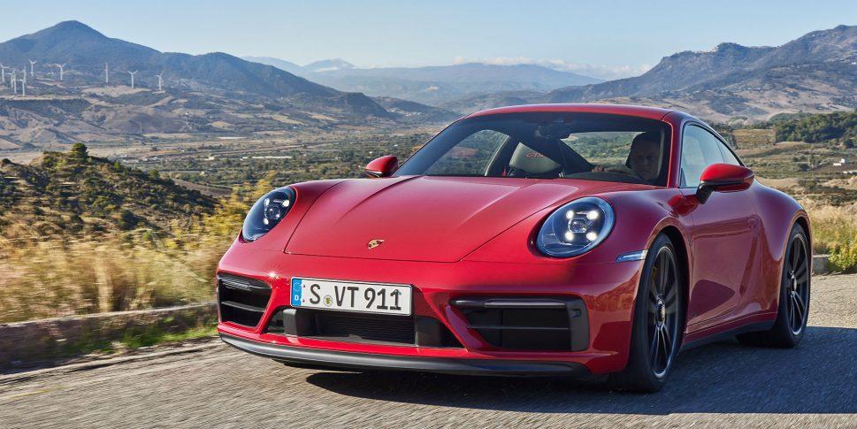 New Porsche 911 GTS